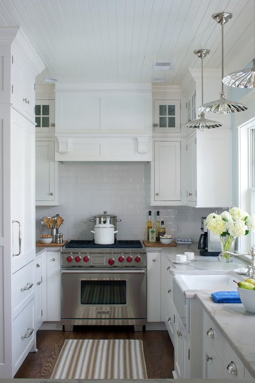 Small Kitchen: How to Make It Work - Town & Country Living