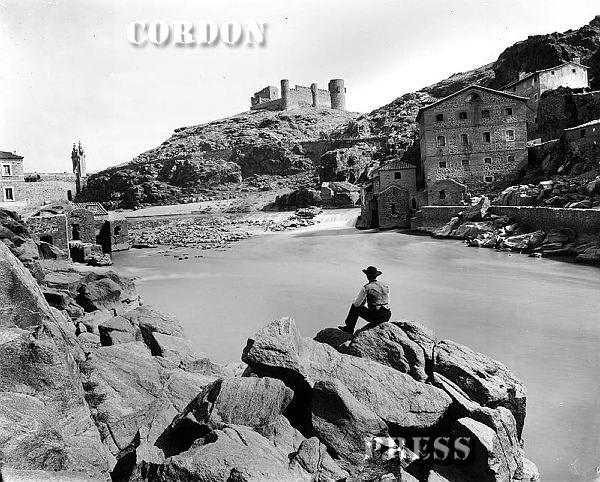 Río Tajo y Castillo de San Servando  de Toledo hacia 1875-80. © Léon et Lévy / Cordon Press - Roger-Viollet