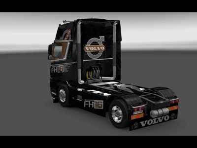 2014-02-21-Volvo-FH16-Black-Edition-3s
