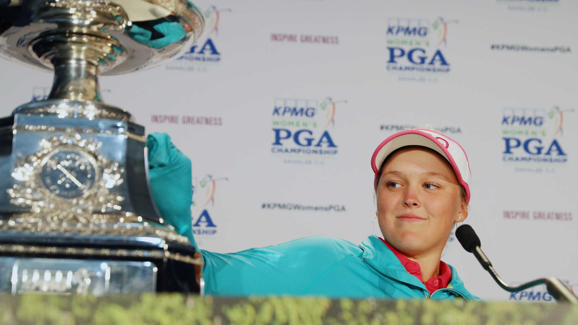Brooke Henderson with the 2016 KPMG trophy