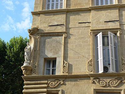 façade d'immeuble aix.jpg