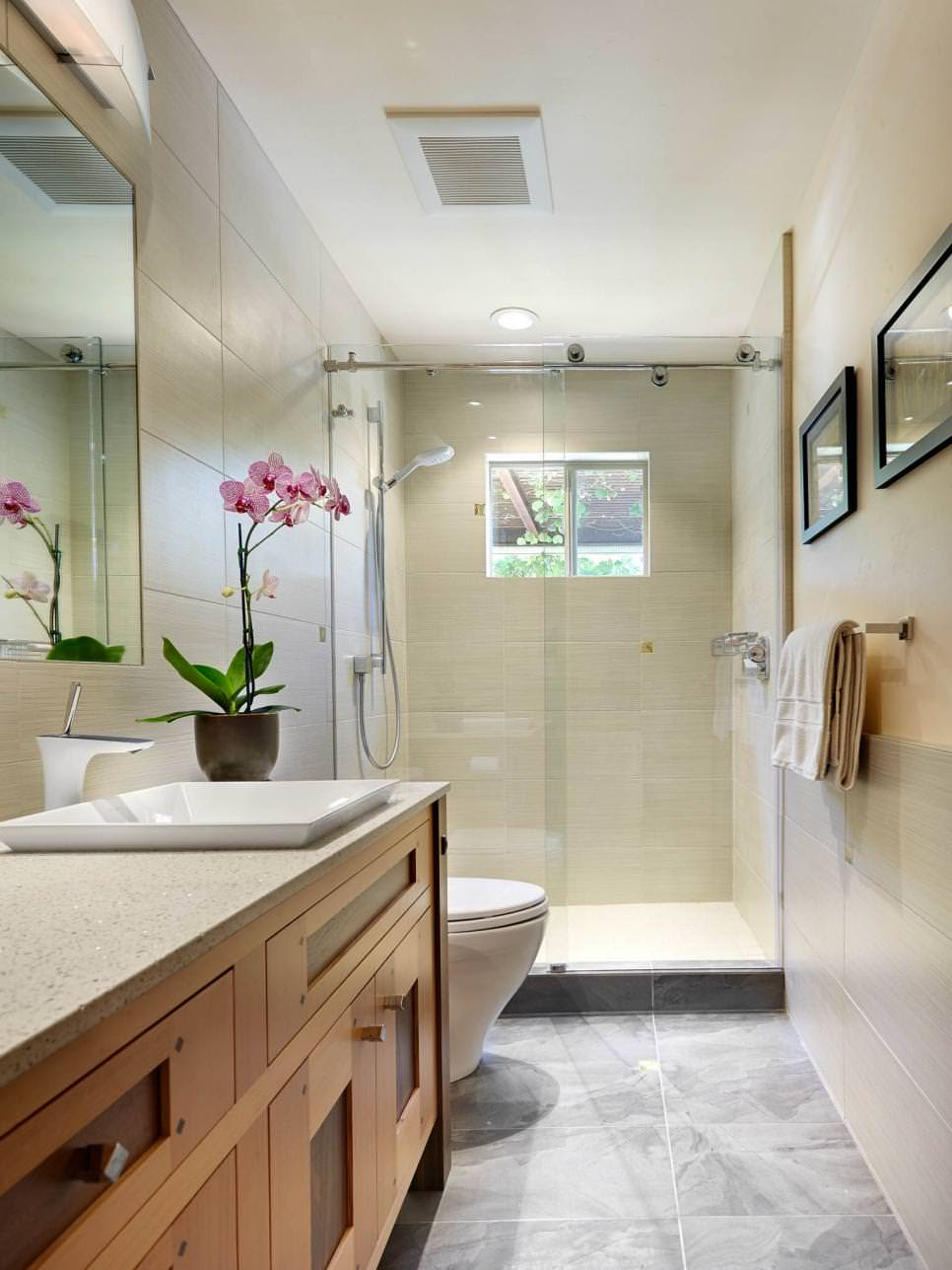 25+ Narrow Bathroom Designs, Decorating Ideas | Design Trends