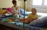 Un enfant cancéreux, à l'hôpital de minsk