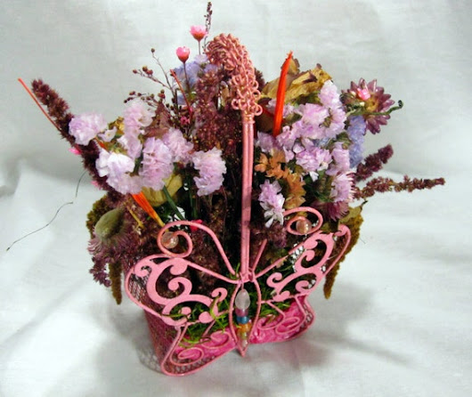 Dry Flower Arrangement in Butterfly Shaped Vase by MazuriYako