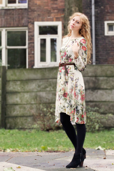 Floral-primark-dress-leather-thrifted-jacket-circle-h-m-scarf_400