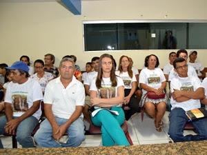 Membros da Associação em Defesa da Cachoeira do Macapá e Rios Afluentes (ADCMA)