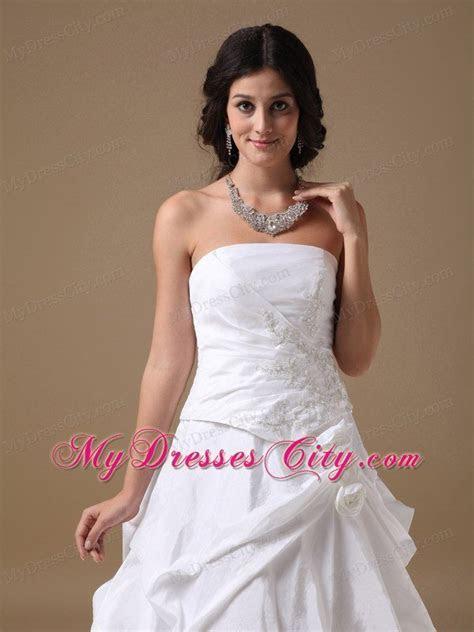 White A line Strapless Taffeta Appliques Wedding Dress