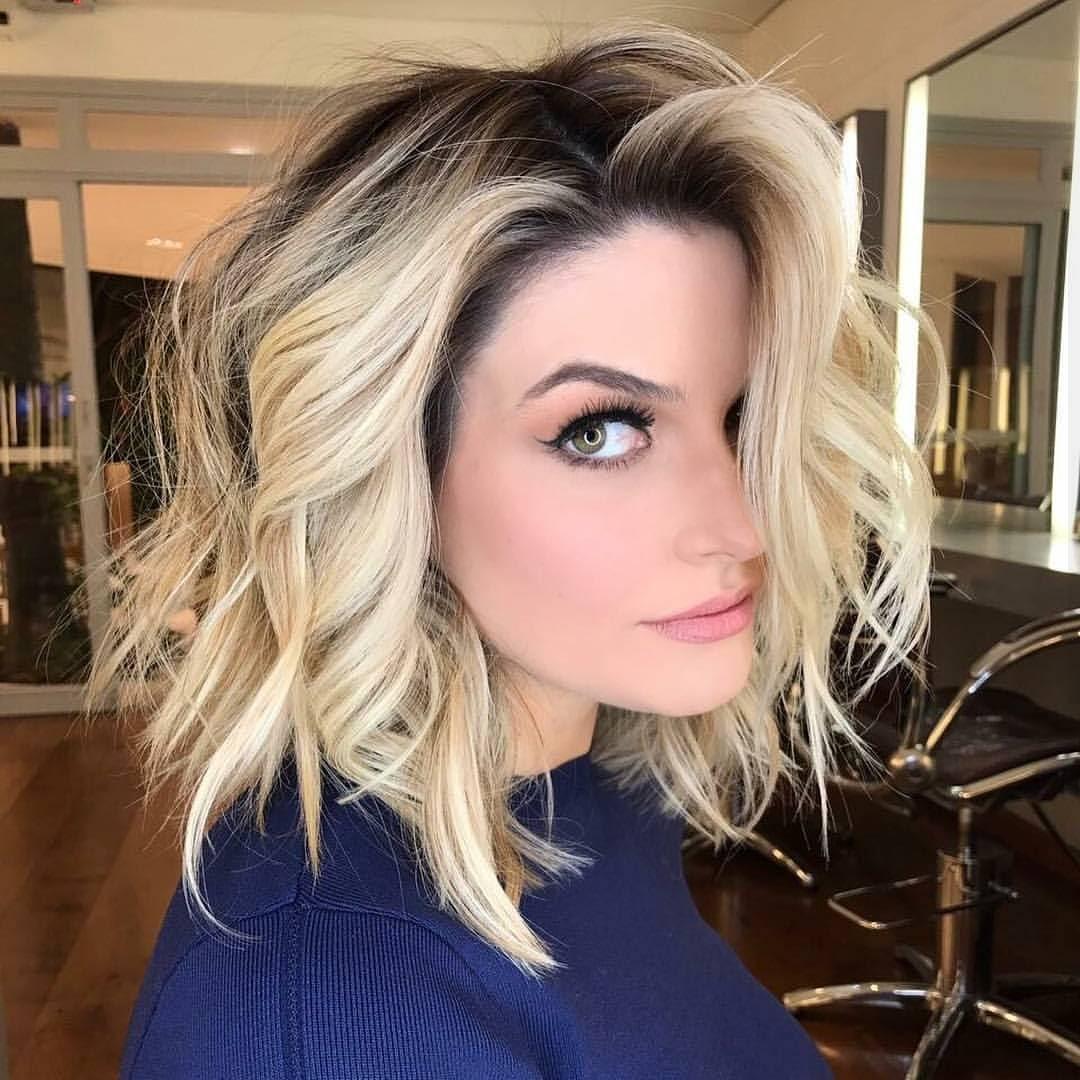 10 Latest Medium Wavy Hair Styles For Women Shoulder Length