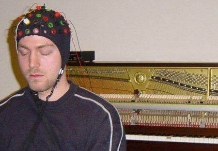 Un poco de música cerebral
