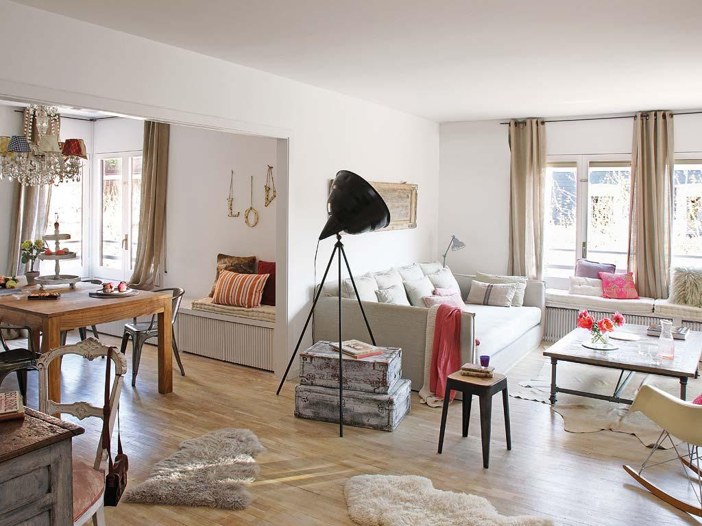 Decordemon Charming Vintage Apartment In Barcelona