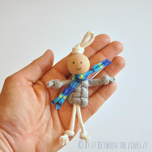 T-shirt yarn macramé puppets