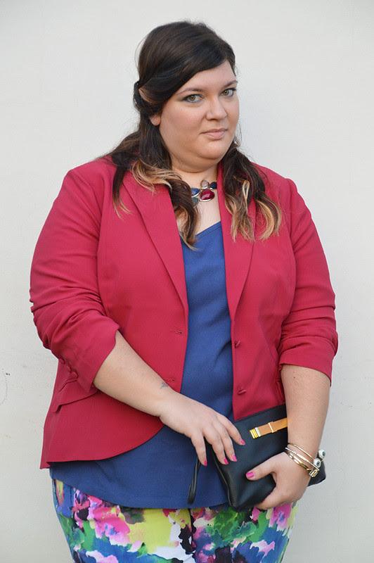 outfit pantaloni colorati e giacca aile4