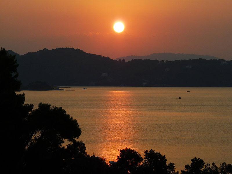 Αρχείο:Sunrise vasilias.jpg