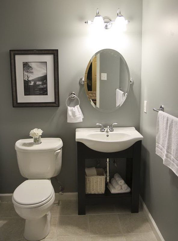 small bathroom towel decor