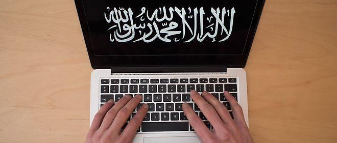 Alors qu'Al-Qaïda utilisait des téléphones portables ordinaires, et des cartes prépayées, Daech sait parfaitement crypter ces appareils depuis 2013, tout comme les courriers électroniques.