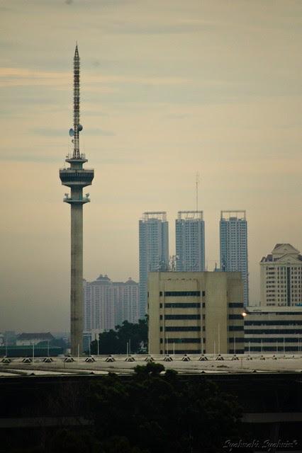 Serbaserbii.co.cc: Tujuh Menara Terkenal di Indonesia