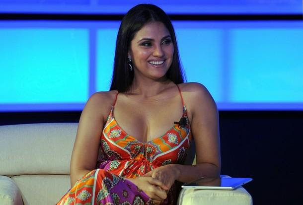 Lara Dutta spicy Indian Actress,Model,Singer and Beauty Queen most hot and sexy stills