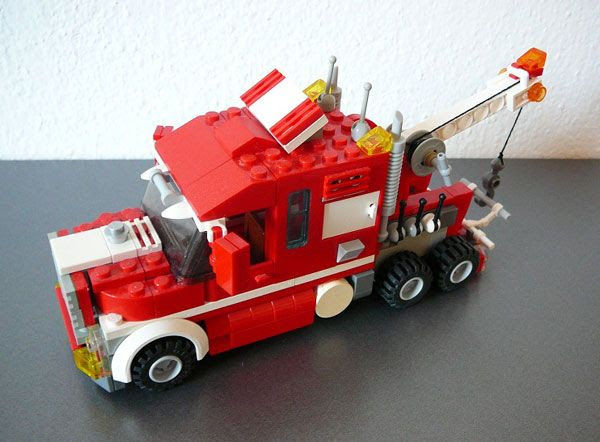 A LEGO® tow truck: Cool.