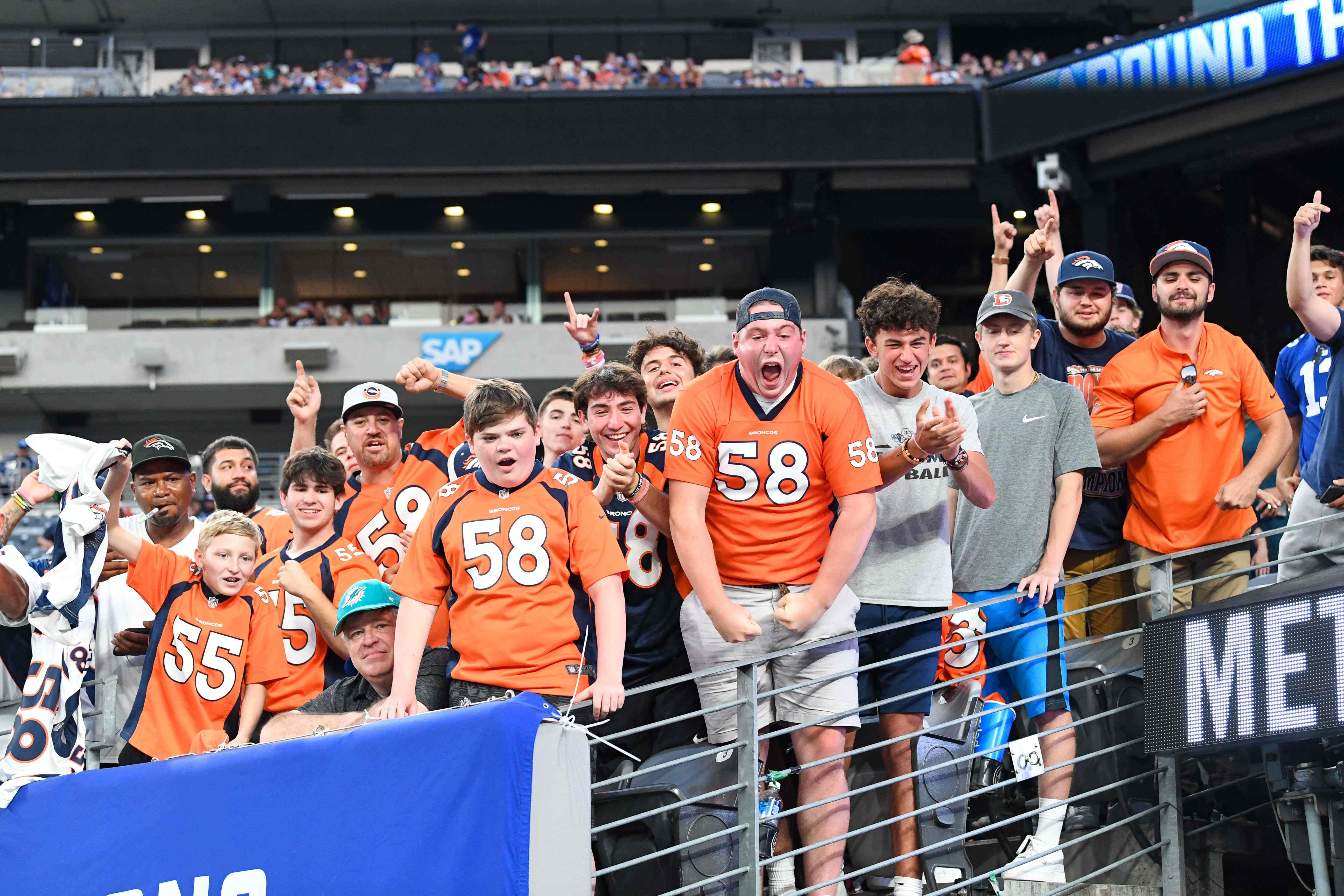 Broncos players loved seeing 'sea of orange jerseys' at Giants' stadium