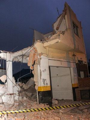 Desabamento de parte de imóvel em obras deixa feridos em São Paulo (Foto:  Marco Ambrósio/Estadão Conteúdo)