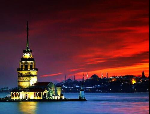 Istanbul in de nacht Foto: The Percy101