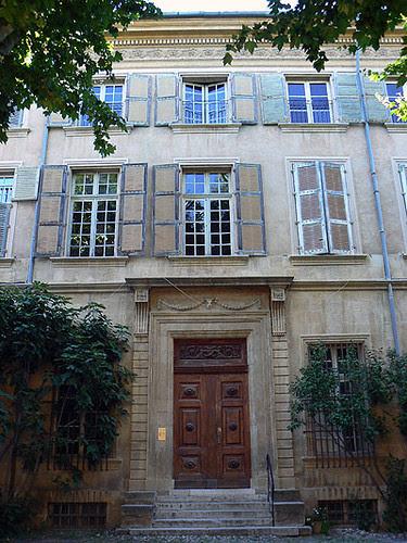 façade hôtel particulier Aix.jpg