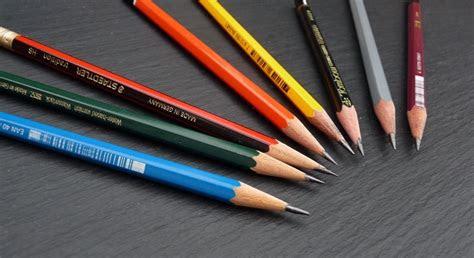 guide  pencils  drawing pens paper pencils