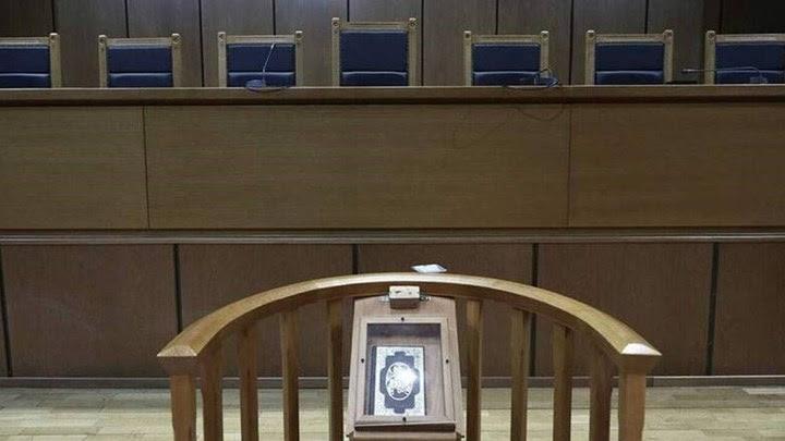 Στα... κάγκελα οι δικηγόροι για τη συνέχιση του lockdown στα δικαστήρια