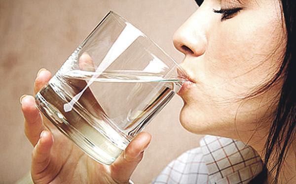 Cómo evitar la retención de líquidos