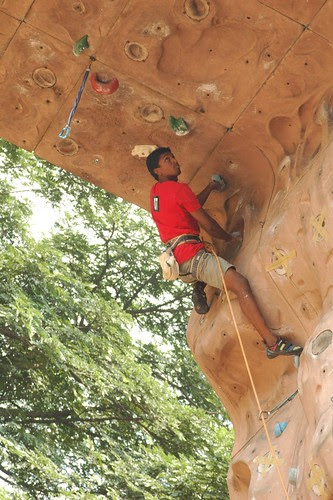 17th_South_Zone_Sports_Climbing_Competition_Men_In_Action2