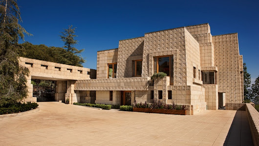 Luxury Home For Sale Designed by American Architect Frank Lloyd Wright – Covet Edition