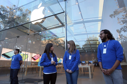 Newsela | Lots of anticipation for the new iPhone