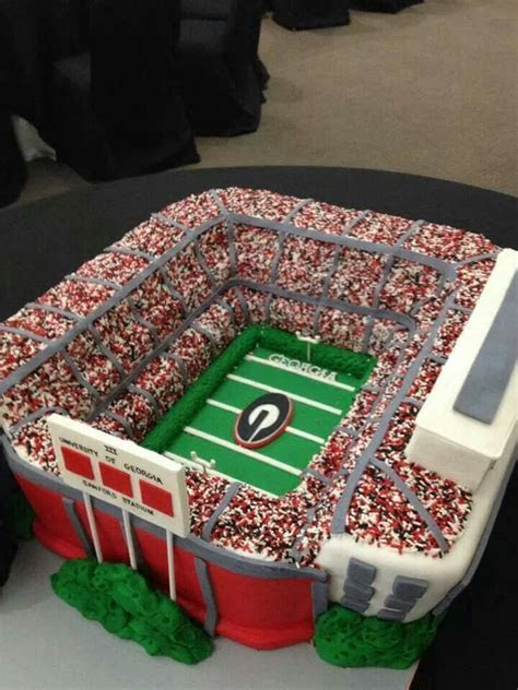 Football Field Decorated Cake Ideas and Designs