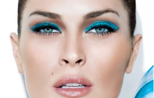 bright-eyeshadow-palettes-600x383