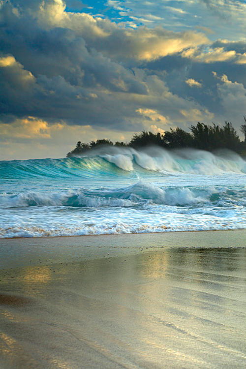 simply-beautiful-world: Beauty like this can't be copied or made by man. It is nature at its finest.