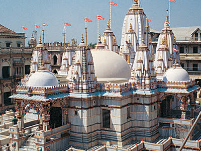 http://cdn1.images.touristlink.com/data/cache/TH/EH/EA/DQ/UA/RT/E/shri-swaminarayan-mandir-vadtal-the-headquarters-o_400_300.jpg