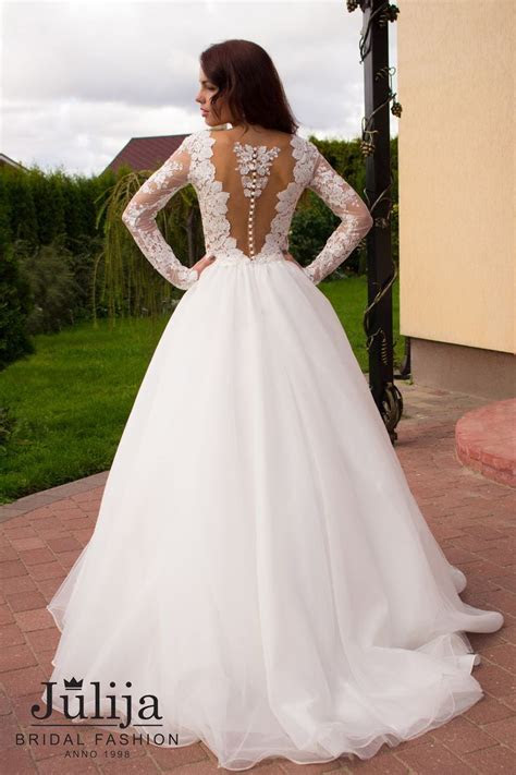 Best 25  Luxury wedding dress ideas on Pinterest   Most