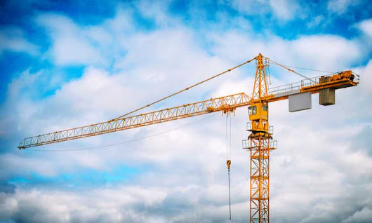 Construction crane safety jumps to forefront after fatal incident - Business Insurance