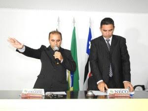Sydinei Pereira foi empossado prefeito pelo vereador Deco, presidente da Câmara Municipal de Anajatuba