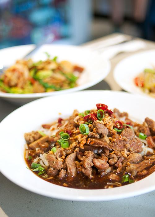 Yao-wa-rat noodle salad at Rim Tanon Haymarket Chinatown