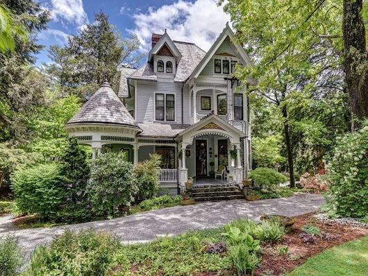 1899 Queen Anne For Sale In Asheville North Carolina — Captivating Houses