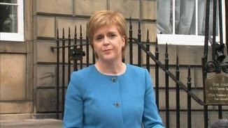 Nicola Sturgeon compareix davant els mitjans