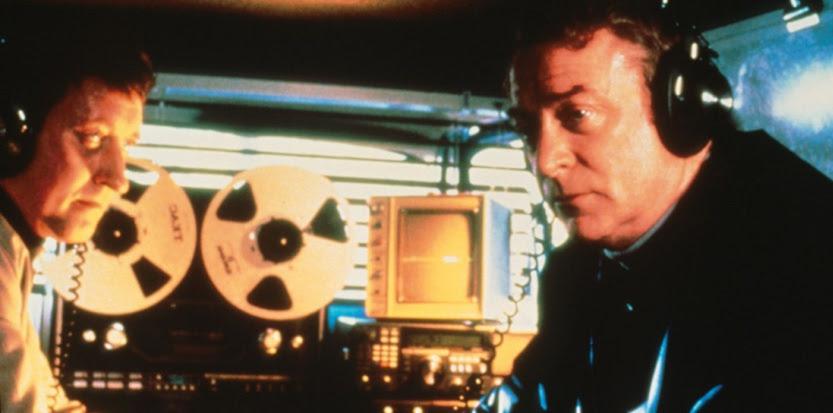 """Une écoute téléphonique dans le film """"Le quatrième protocole"""" de John Mackenzie (1987)"""