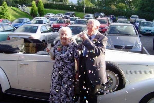 Ο εορτασμός της 60ής επετείου τους, μαζί με την οικογένεια και τους φίλους τους