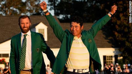 Matsuyama se pone la chaqueta verde del campeón tras ganar el Masters.