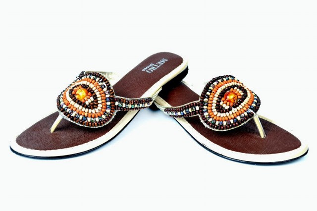 Girls-Womens-Beautiful-Casual-Eid-Flat-Footwear-Collection-2013-by-Metro-Shoes-6