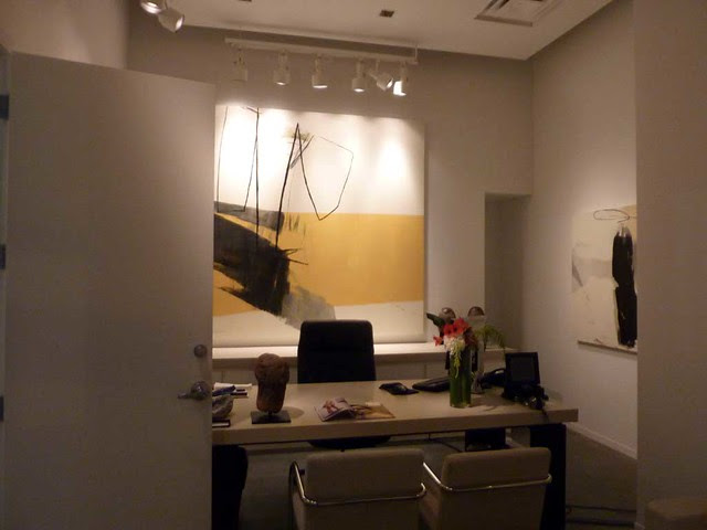 P1050222-2010-11-19-Bill-Lowe-Gallery-by-Hyunmee-Lee