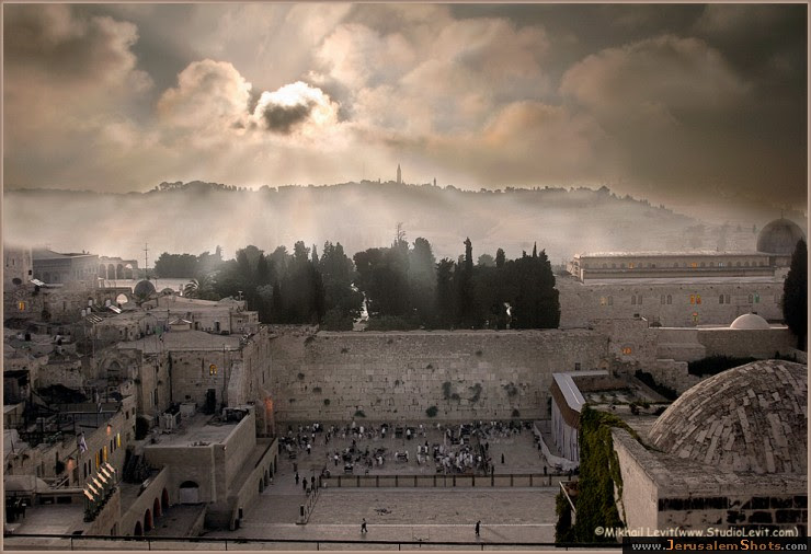 Wailing Wall (series) -12