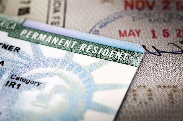Buscas por visto permanente no exterior crescem 50%, aponta levantamento