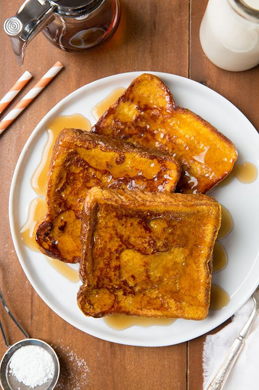 Pumpkin French Toast - the perfect Fall breakfast and it's so easy to make!